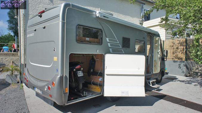 4 places pour vos vacances pensez louer votre camping for Porte de garage camping car