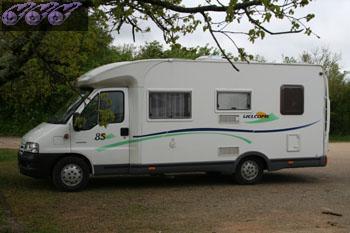 4 places camping car louer sud de paris ile de france seine et marne location camping car. Black Bedroom Furniture Sets. Home Design Ideas