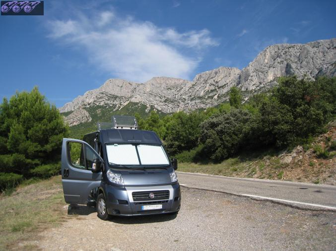 4 places location fourgon camping car 4 couchages languedoc roussillon gard location camping car. Black Bedroom Furniture Sets. Home Design Ideas